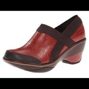 Jambu Leather Sport Wedge Clogs/ Mules